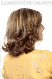 medium length hair styles from the back view medium hairstyle with layers and highlights back view home decor