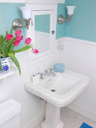 Bathroom Renovation Ideas For Tight Budget Transforming A Bathroom On A Tight Budget Diy Bathroom Ideas