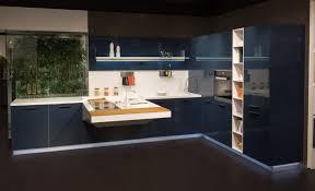 cuisine bleu petrole idées et projets board en laqué brillante bleu pétrole snaidero