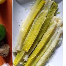 cuisiner les verts de poireaux recette pas chère poireaux à la vinaigrette citron vert gingembre