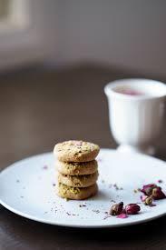 vegan cardamom and pistachio shortbread cookies with rose petals