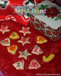 royal icing recipe learn to make royal icing for decorating cakes