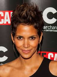 harry berry hairstyle pictures 2014 halle berry pixie hair style haircut styloss com