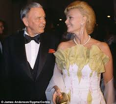 obsessive frank sinatra took 12 showers a day and always smelled