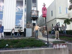 Zombie Apocalypse Halloween Decorations 50 Halloween Decorations That Are Beyond Over The Top King Kong