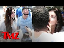 Was He Blind In The Book Of Eli Lana Del Rey Kissing Fans Right On The Lips Tmz Youtube