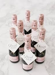 wedding table favors 24 wedding favor ideas that don t chagne wedding favors