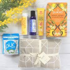 Chemo Gift Basket Gift Hampers Containing Pur Chewing Gum Wishing You Well