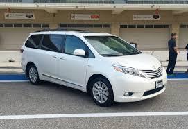 nissan sienna 2017 minivan drive toyota sienna vs chrysler pacifica hybrid