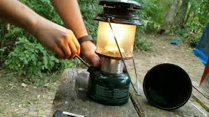 lighting a coleman lantern how to light a coleman 286 adjustable lantern step by step youtube