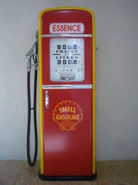 pompe essence vintage reproduction en bois de pompes à essence des années 50