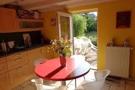 les fran軋is et la cuisine gite de charme le falbala 10 de colmar logelheim的獨棟房屋