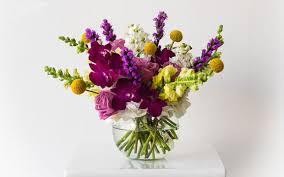 halloween floral centerpieces expert tips for picking the best floral arrangement for mother u0027s day