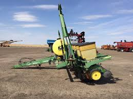 John Deere 7200 Planter by New And Used Planters Oakley Ag Center