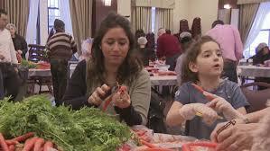 island soup kitchen volunteer volunteers at west side synagogue prep vegetables for soup kitchen