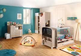 chambré bébé que vous optiez pour le lit bébé évolutif en lit banquette et en