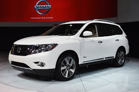 nissan pathfinder us news nissan pathfinder hybrid 26 mpg combined fuel economy and 526