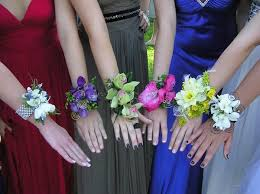 Prom Wrist Corsage Ideas 42 Best Corsages Images On Pinterest Boutonnieres Wrist Corsage
