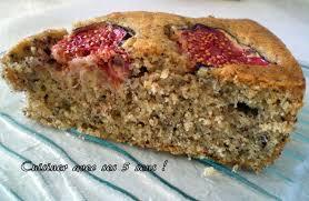 cuisiner des figues fraiches gâteau moelleux aux noisettes et aux figues fraîches tour n 12