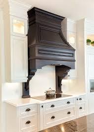 habillage hotte cuisine habillage de hotte en bois cuisines classiques hotte