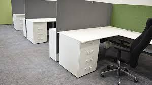 mobilier de bureau moderne design bureau design bureau en lots postes de travail cm bouleau clair ogi