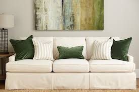 Couch Pillow Slipcovers Guide To Choosing Throw Pillows How To Decorate