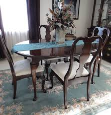 gorgeous kincaid solid cherry dinning room table and four chairs