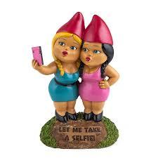 amazon com bigmouth inc the selfie sisters garden gnome