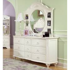 Decorating Ideas For Dresser Top by Bedroom Top Notch Bedroom Decorating Design Using Small Dresser