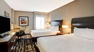 Two Bedroom Hotel Suites In Chicago Hilton Garden Inn Chicago Magnificent Mile Hotel