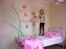 wandgestaltung mädchenzimmer malen zeichnen lebendige wandgestaltung im kinderzimmer