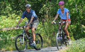 the obamas are spending another summer vacation at martha u0027s