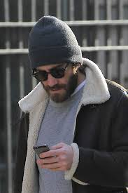 ways to wear short scarf for a more fashionable look the do u0027s and don u0027ts of wearing a beanie photos gq