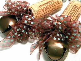 wine cork tree ornaments are another great idea pinned by