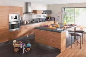 modele cuisine amenagee modele de cuisine en bois trendy modele de placard de cuisine en