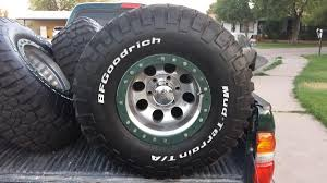 mudding tires 4 33x12 5x15 bf goodrich mud terrain t a km2 tires on mickey