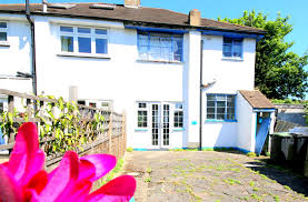 semi detached house for sale in willow road enfield en1 from emoov
