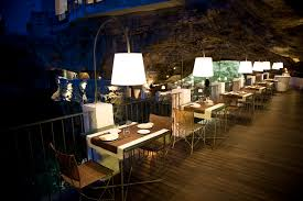 Cliffside Restaurant Italy by We Bet No Dining Experience Can Be Luxurious And Romantic Than This