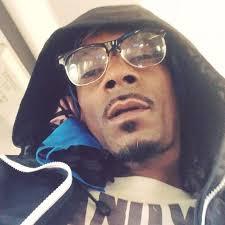 Snoop Meme - snoop dogg compares makeup free iggy azalea to funny meme