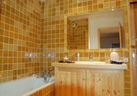 cuisine couleur miel carrelage jaune miel cuisine salle de bains faïence de