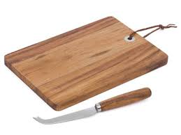 planche à découper cuisine une planche à découper pour devenir un as de la cuisine