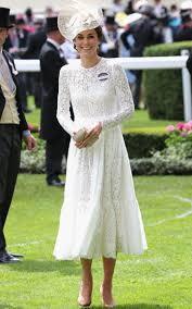 the duchess channels my fair lady at ascot in dolce u0026 gabbana