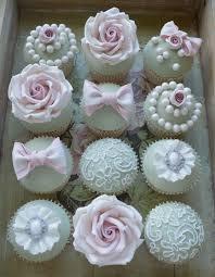 hochzeitstorte aus gips cupcakes dekorieren hochzeit execid