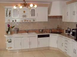 comment relooker une cuisine ancienne comment relooker un meuble vernis 11 renovation de cuisine votre