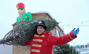 nutcracker soldiers deliver xmas trees to your home montreal