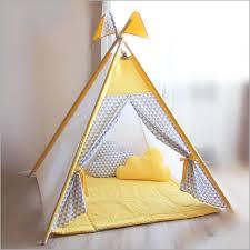 tente de chambre tente chambre garcon 118291 tipi jaune gris play tente triangles
