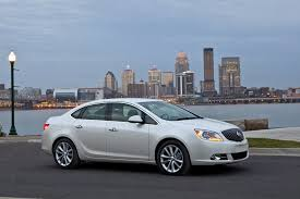 lexus es 350 vs acura ilx 2014 buick verano performance review the car connection