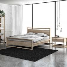 the difference between slat support and panel support on a modern bed