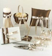 wedding gift hers uk 35 great wedding gift ideas unique wedding ideas