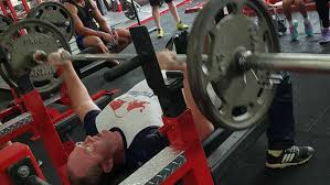 bench press 100kg video powerlifting chion beats challenging bench press record